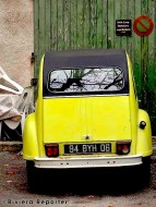 Yellow Citroen in the south of France