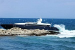 Pari Superyacht on the rocks at Cap Ferrat